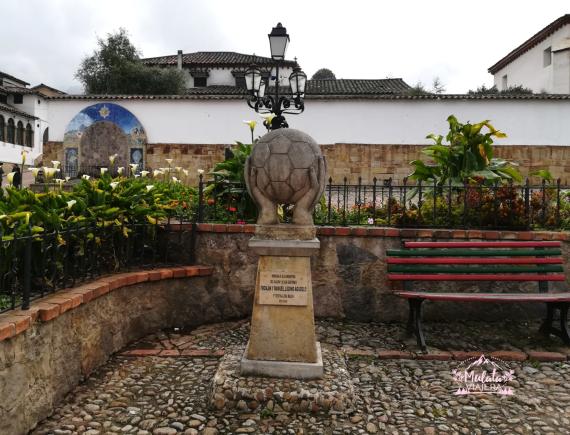 Monumento al balon Mongui